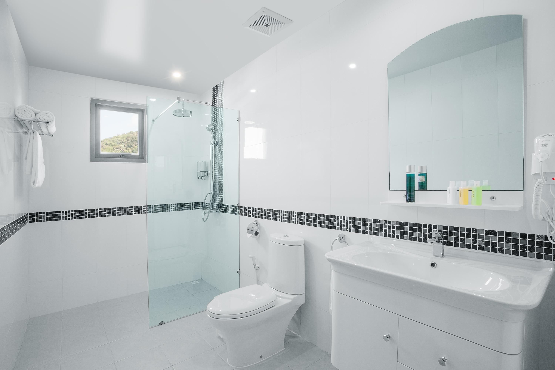 badkamer modern met inloopdouche